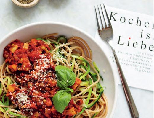 Achtsames Essen Rezept_Spaghetti_Zuchetti_Linsenbolognese
